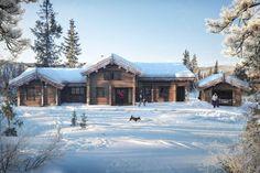 Kvitfjell Varden - Fantastisk laftehytte på en av Vardens aller beste beliggenheter. Ski-inn og -ut og langrennssporet som nærmeste nabo. | FINN.no