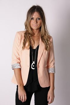 I want this blazer. Too bad it's from a store in Australia :(