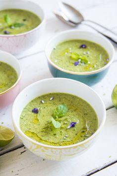 Pikantna zupa krem z cukinii - Cook it Lean - sprawdzone paleo przepisy Pureed Food Recipes, Soup Recipes, Cooking Recipes, I Love Food, Good Food, Clean Recipes, Healthy Recipes, Eat Happy, Healthy Dishes