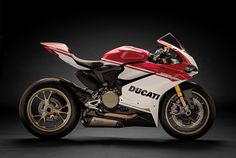 Ducati 1299 Panigale S (205 horsepower)  No mortal can use that much power!