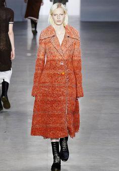 Persikkainen mohairtakki, Calvin Klein