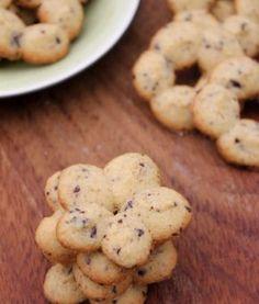 Biscotti nocciole e cioccolato con la Sparabiscotti