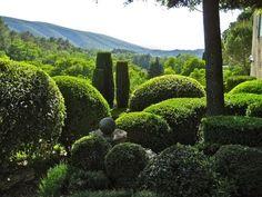 ▶ Nicole de Vesian - Her Artistic Garden Sanctuary - YouTube