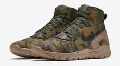Camouflage Covers the New Nike Koth Ultra Mid Mens Fashion Shoes, Sneakers Fashion, Nike Boots, Men's Boots, Combat Pants, Sneakers Mode, Designer Boots, Casual Boots, Me Too Shoes