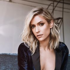 48 Stunning Fall Hair Color Ideas 2018 Trends: So long, Summer! The leaves are changing, and so should your hair! Changing your hair color to capture the beauty … Oval Face Haircuts, Girl Haircuts, Brown Ombre Hair, Ombre Hair Color, Blonde Ombre, Kristin Cavallari Hair, Medium Hair Styles, Short Hair Styles, Undercut Designs