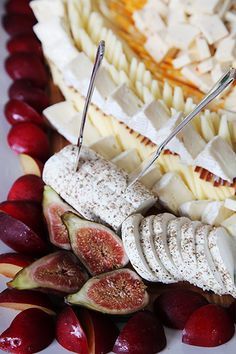Wedding appetizers - great cheese plate for cocktail hour - AnnasWeddings.com | NYC Wedding Photographer