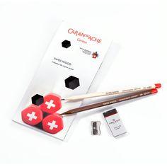 Geschenkset Swiss Wood Caran D'ache, Playing Cards, Desk, Writing Table, Playing Card Games, Writing Desk, Office Desk, Desks, Cards