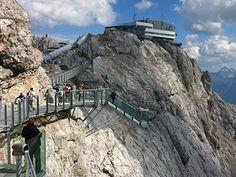 Dachstein-Brücke Alpine Adventure, Adventure Travel, Dachstein Austria, Wonderful Places, Beautiful Places, Sky Walk, Heart Of Europe, Amsterdam Travel, Beautiful Sites