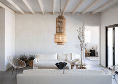 〚 Stone wall in the kitchen and other Mediterranean touches: beautiful renovation of small California home 〛 ◾ Фото ◾Идеи◾ Дизайн Ford Lighting, Bungalow, Cookie Cutter House, Ford Interior, American Interior, Turbulence Deco, White Interior Design, Farmhouse Remodel, Minimal Decor