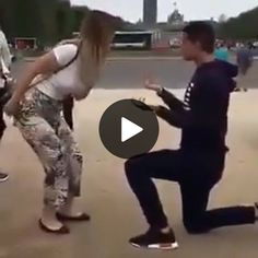 Be Careful, Brother - Funny Videos - Funny Pictures Funny Animal Videos, Videos Funny, Funny Animals, Pet Videos, Funny Images, Funny Pictures, Corgi Funny, Corgi Dog, Funny Pets