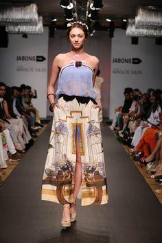 Chiffon tube with a digital print front slit skirt