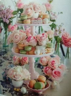 Macarons and roses a pretty combination. Macarons and roses a pretty combination. Macarons, Pastel Macaroons, Candybar Wedding, Wedding Cakes, Tea Party Bridal Shower, Bridal Showers, Tea Party Wedding, Wedding Desert Bar, High Tea Wedding