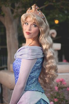 Make it Blue - Aurora Blue Dress Disney World Characters, Walt Disney World, Disney Land, Aurora Disney, Photo Souvenir, Princess Makeup, Princess Photo, Disney Aesthetic, Princesa Disney