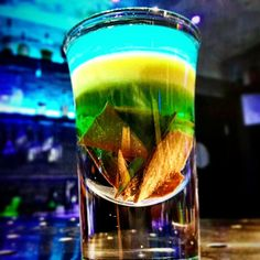 Piccola tentazione alcolica  #swig #swigbar #napoli #naples #drinkingpeople #cool #friends #napolidrinkporn #vomero #chiaia #cicchetto #cicchetti #chupito #shot #shottino #shots #shottini #cocktail #cocktailart #drink #drinkart #drinkporn