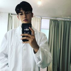 First ever selfie I saw from Park Hyung Sik💕🌼 Park Hyung Sik Hwarang, Park Hyung Shik, Strong Girls, Strong Women, Asian Actors, Korean Actors, Park Hyungsik Hot, Park Hyungsik Wallpaper, Park Hyungsik Strong Woman Wallpaper