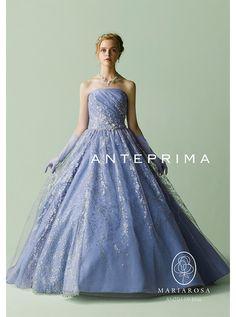 アクア・グラツィエがセレクトした、ANTEPRIMA(アンテプリマ)のウェディングドレス、ANT0119をご紹介いたします。