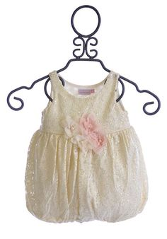 Discover unique infant girls clothing size Months from boutique designers Giggle Moon, Kate Mack & another 60 designer brands shipped fast to you. Baby Girl Dresses, Cute Dresses, Little Girl Closet, Dress Outfits, Cute Outfits, Baby Girl Boutique, Baby Swag, Baby Bloomers, Rompers