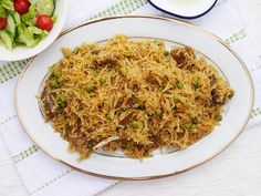 This Muslim Girl Bakes: The Laziest Lamb Pulao. Halal Recipes, Indian Food Recipes, Asian Recipes, Cooking Recipes, Ethnic Recipes, Leftover Lamb Curry, Pakistani Desserts, Biryani Recipe, Middle Eastern Recipes