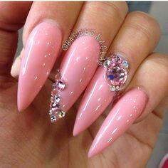 ~pink stiletto nails with crystal nailart Sexy Nails, Fancy Nails, Bling Nails, Stiletto Nails, Love Nails, Fabulous Nails, Gorgeous Nails, Pretty Nails, Nail Swag