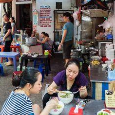Street eats in Hanoi.  #streetfood #food #people #hanoi #vietnam #asia #explore #discover #em1mki #olympus #olympus_au #olympusinspired #getolympus #travel #travel #twitter #photography #phototour  #exotic #vietnaminfocus