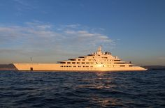 Die längste private Motorjacht der Welt ist nach wie vor die 180 Meter lange...