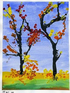 Fall trees. Different painting techniques and optical mixing by painting leaves with Q-tips. Grade 1 Art, First Grade Art, Ecole Art, Autumn Trees, Autumn Art, Diy Autumn, Fall Leaves, Tree Art, Art Classroom