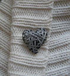 Liitutaulu ja heijastimia Crafty Craft, Arts And Crafts, Bling, Fabric, Diy Ideas, Projects, Safety, Heart, Tejido