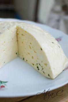 Ser domowy (a la) Koryciński z macierzanką | Klaudyna Hebda Food Porn, Dairy, Cheese, Cooking, Blog, Recipes, Kitchen, Cuisine, Koken