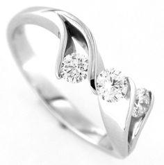 Trilogy anello donna in oro bianco 18 kt con diamanti colore G e purezza VS1