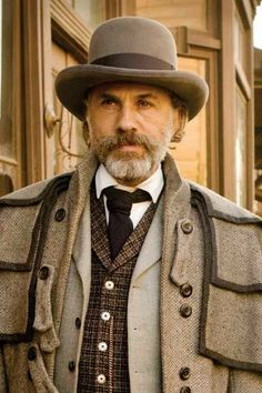 Best Actor Nominee Oscars 2013 CHRISTOPH WALTZ, DJANGO UNCHAINED This is Waltz's second nomination (for playing bounty hunter Dr. His first nomination—and first win!—was also in a Quentin Taratino film. So glad he won. Quentin Tarantino, Tarantino Films, Django Unchained, Christoph Waltz, Movies Costumes, Django Desencadenado, Hans Landa, Cowboy Films, Inglourious Basterds