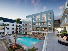 Resort-style salt water pool and spa at AMLI Lex on Orange, a luxury apartment community in Glendale, CA.