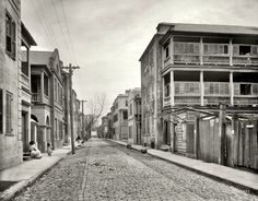 Historic Tradd Street, South of Broad, Charleston, SC circa 1910 #historic #charleston #southofbroad #traddstreet