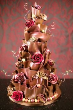 Cake Wrecks - Home - Sunday Sweets: Wedding Cakes in Chocolate. Cake by Paul Beadford Sugarcraft School. It's absolutely awesome and shows that the creator has a very original imagination, a very steady hand & a great deal of patience! Gorgeous Cakes, Pretty Cakes, Amazing Cakes, Cake Wrecks, Crazy Cakes, Fancy Cakes, Pink Cakes, Unique Cakes, Creative Cakes