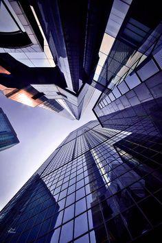 """""""Vertical Horizon"""", serie de fotos por Romain Jacquet-Lagrèze, en Hong Kong."""