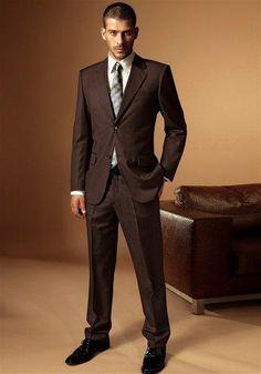 Свадебный мужской костюм коричневый фото