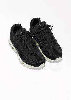 M Y  S T Y L E // Women Nike Air Max 95 LX black