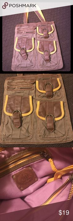 GAP Bag 💼 Gap Shoulder Bag 💼 (brown/green/yellow) great condition. Has many compartments in the inside (See photos) includes dust bag GAP Bags Shoulder Bags