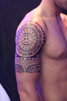 Maori tattoo. I really like this but I've always wondered if women could get these types of tattoos without looking silly???