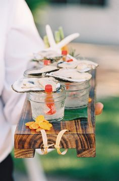 Think Outside the Dessert Table: 23 Fresh Food Stations via Brit + Co Tapas, Oyster Shooter, Raw Oysters, Fresh Oysters, Wedding Food Stations, Raw Bars, Am Meer, Southern Weddings, Mini Foods