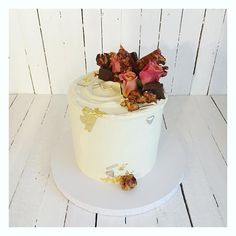17 Likes, 0 Comments - Floss Cakery Watch This Space, Celebration Cakes, Carrot Cake, Carrots, Videos, Desserts, Photos, Instagram, Food