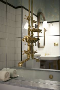 Plumbing fixture porn. SIENNA CHARLES - New York City - THE LAFAYETTE HOUSE
