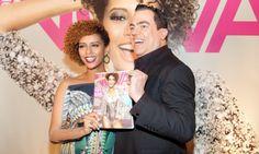 """Rainha da festaTaís Araújo, que está grávida de uma menina, é a capa da edição de aniversário da revista. """"Quero colocar na parede para um dia mostrar para minha filha e dizer: 'Olha, a mamãe era assim!'"""", brincou.  Foto: Renata Chede"""