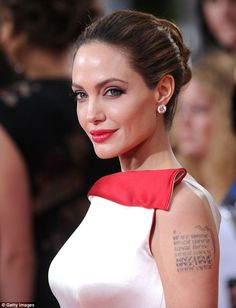Angelina Jolie is a former guest of Hotel Lakonis