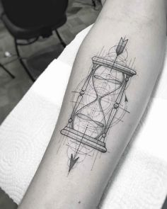 William Marin – thin minimalistic tattoo Tattoo artist William Marin thin black tattoo, graphics, lines, minimalism Mini Tattoos, Black Tattoos, Body Art Tattoos, Sleeve Tattoos, Tattoos For Guys, Black Art Tattoo, Feather Tattoos, Forearm Tattoos, Tattoo Hourglass
