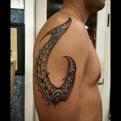 """Voiced by Dwayne """"The Rock"""" Johnson, the god Maui is absolut… Tiki Tattoo, Hawaiianisches Tattoo, Fern Tattoo, Leg Tattoo Men, Back Tattoo, Tribal Tattoo Designs, Tribal Turtle Tattoos, Tribal Tattoos With Meaning, Polynesian Tribal Tattoos"""