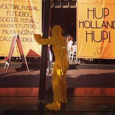 I hope there's still room inside for a man my size. Hup, Holland. Hup! As they say here. Let's make some chili #hugmaninholland #theartofthebrick