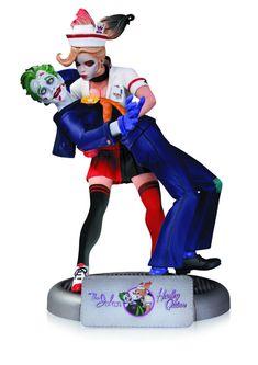 Batman DC Comics Bombshells Joker and Harley Quinn Edition Statue Joker Dc, Joker And Harley Quinn, Scarecrow Batman, Superman Action Figure, Crazy Toys, Batman Wonder Woman, Purple Suits, Batman Arkham City, Batman The Animated Series