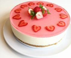 Blåbær Ostekake... - Oppskrift fra myTaste Cute Birthday Cakes, Birthday Wishes, Pastry Cake, Cravings, Panna Cotta, Cake Decorating, Cheesecake, Food And Drink, Pudding