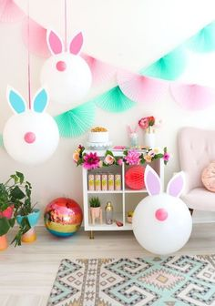 Easter Craft Ideas: Easter Egg Crafts, Easter Bunny Crafts & More! Get into the Easter spirit with some fun and festive Easter Crafts! Whether you want to make Easter egg crafts or create cute little Easter bunny crafts.these ideas are sure to inspire! Easter Birthday Party, Bunny Birthday, Easter Party Games, Easy Easter Crafts, Bunny Crafts, Easter Ideas, Cute Easter Bunny, Hoppy Easter, Easter Eggs