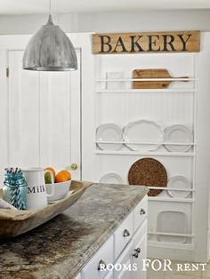 Reclaimed Wood — A Hot Trend & 15 Fabulous Ideas For Using It